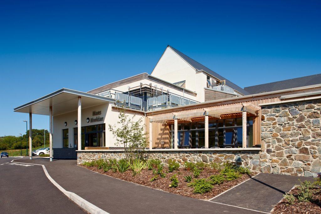 Maes Mwldan Buildingfront4